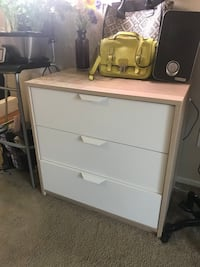 White wooden 3-drawer chest Los Angeles