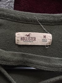Green hollister crop top size medium  Bakersfield, 93308