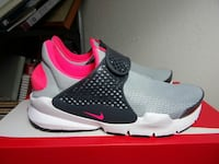 Nike Sock Dart GS youth sizes 5y 6y new and auth Metairie, 70006