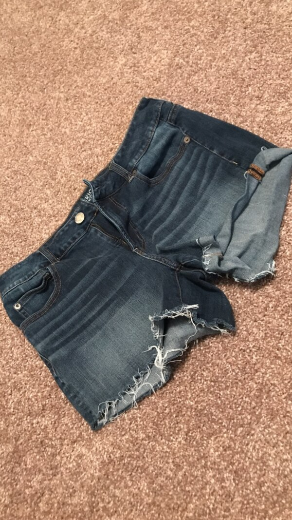 Size 12 American Eagle high waisted shorts