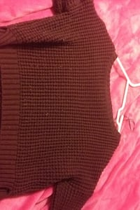 Knit sweater Langley, V3A 8N7