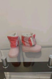 snow boots toddlers size 6 girls