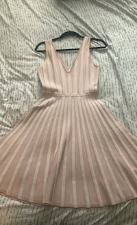 Guess Skater Dress. Size M Inver Grove Heights, 55077