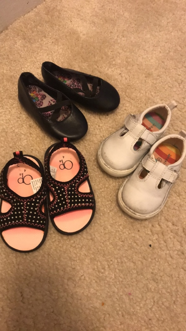 Shoes size 4 all for $10