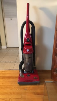 red Dirt Devil upright vacuum cleaner Mississauga, L4X 2N7