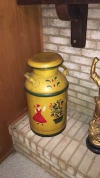 Large  Antique Milk Barrel Derwood, 20855