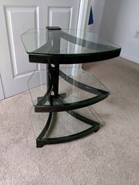 Glass Entertainment Stand Middletown, 22645