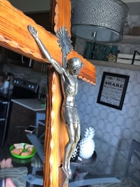 vintage wood and brass crucifix Courtice, L1E 0H5