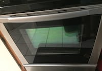"""Well maintained Whirlpool Gold 30"""" standing Electric Range Toronto, M4M 1A5"""