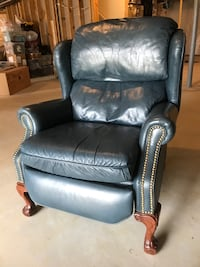 Blue leather recliner Lovettsville, 20180