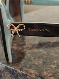 BRAND NEW WT TIFFANY SUNGLASSES PURCHASED LAST SUMMER AND  NEVER WORE TF4092 Vancouver, V5R