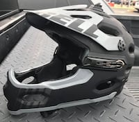 BELL Super 2R Helmet in Excellent Condition size SMALL 1702 mi