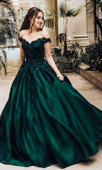 Emerald green evening gown Sterling, 20166