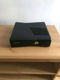 Xbox 360 with cords and controller  Winnipeg, R2M 1N6