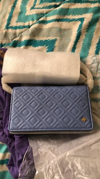 Tory Burch cross body  purse  58 km