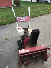 Snapper 2 stage 7/24 snow blower