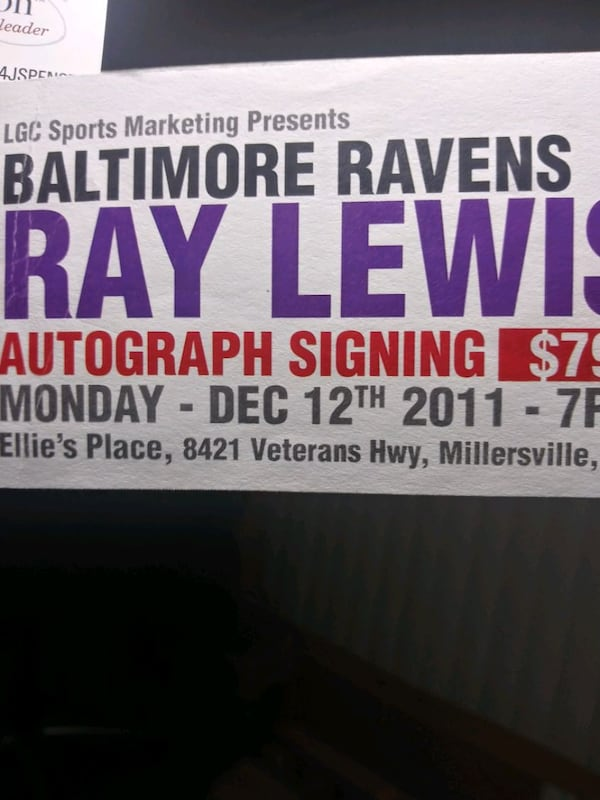 Ray Lewis football signedl. Ravens/authenticated f3535d76-4921-457b-bd09-ddb0eed8e832