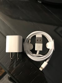 Apple lightning to usb cable with box Mississauga, L5M 7E1