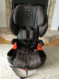 BRITAX PIONEER HARNESS-2-BOOSTER CAR SEAT