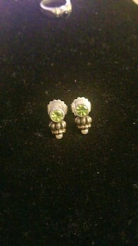 Sterling silver and gold earrings with pearl and emerald stone Hyattsville, 20784