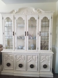 6 seater table, Extension Leaf, 6 chairs and Hutch Mount Albert, L0G 1M0