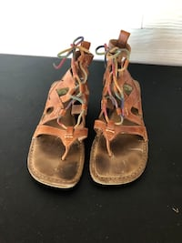 Sz 8 worn earth shoes brown leather lace up sandals 243 mi