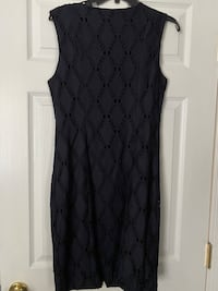 New with tags TAHARI size 10 navy blue lace dress