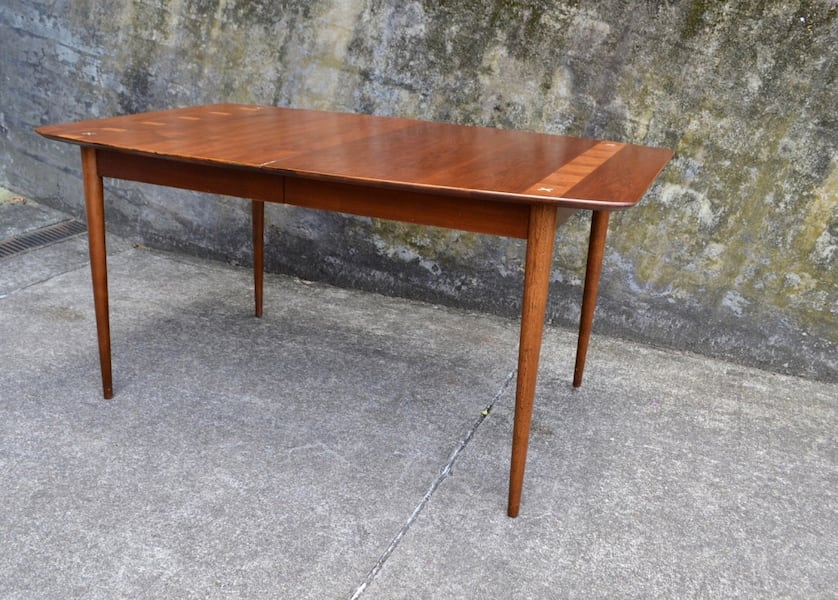 Mid Century American of Martinsville dining table 6 chairs/3 leaves 6d218be6-a515-4bdc-b2d2-f0f718821ffe