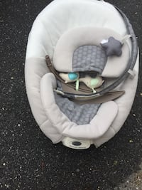 Baby's white and gray baby swing Gaithersburg, 20882
