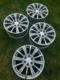 Cadillac xt5 18in rims  Addison, 60101