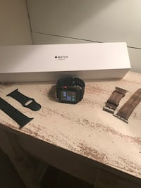 42mm apple i-watch series 3 w/ 3 different style bands! Only few months old! Perfect condition! Hellertown, 18055