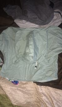 Never worn bought for $25 size medium  Clarksville, 37040