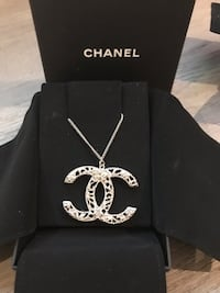 Brand New Chanel Large CC Necklace and Earring Set Puslinch, N1H