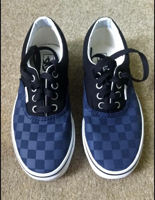 7ca90d75dbf873 Used Vans Boys Kids Size 1.5 for sale in Temecula - letgo