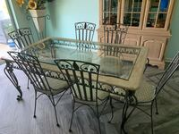 Dining table with six chairs great condition Ormond Beach, 32174