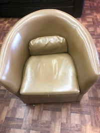 brown leather padded sofa chair Temple Hills, 20748