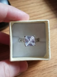 Ring, size 8