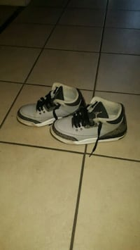 pair of white-and-black Nike sneakers Renton, 98058