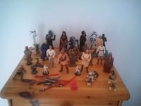 collection de figurines assorties en plastique