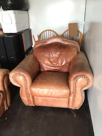Brown leather couches  Mississauga, L4W 1A6
