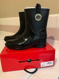 Guess black raining boots size 8M Antioch, 94531
