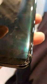 Samsung s8 cracked screen not notaiable Winnipeg, R3E 2Z5