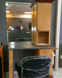 5 Salon work stations 3 chairs Lancaster, 93536