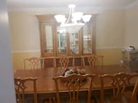 NEW PRICE rec brown wooden table with 8 chairs din Vaudreuil-Dorion, J7V