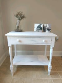 White distressed side/accent/hall table Fairfax
