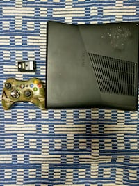 Xbox 360 console with controller and game case Clearfield, 16830