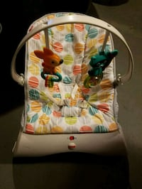 Fisher Price bounce chair 615 mi