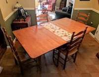 Beautiful Dining Room Table & Chairs Alexandria, 22315