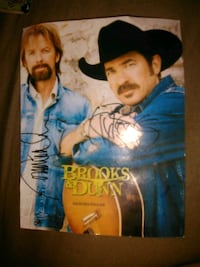 Autographed brooks and dunn La Grange, 78945