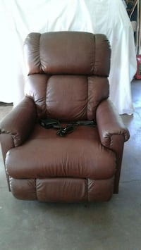Lazy Boy power recliner Vancouver, 98682